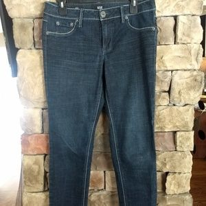 Skinny fit blue jeans